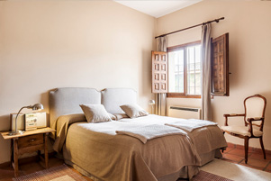 bed room estate jarandilla de la vera