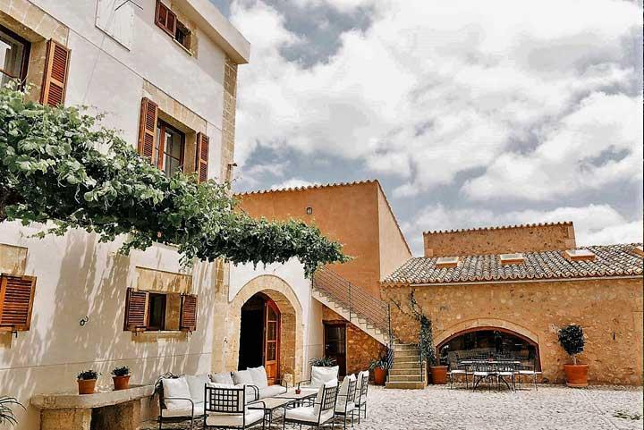 private villa to rent in majorca