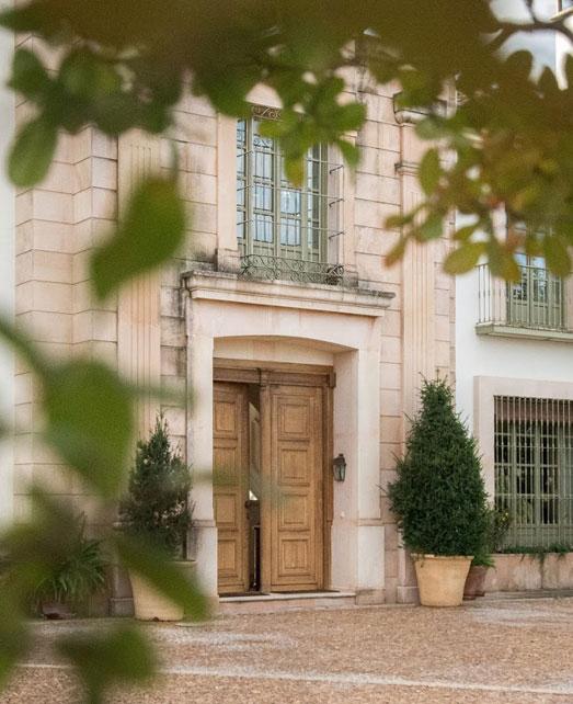 Luxury estates and villas